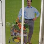 Colantare geamuri supermarket